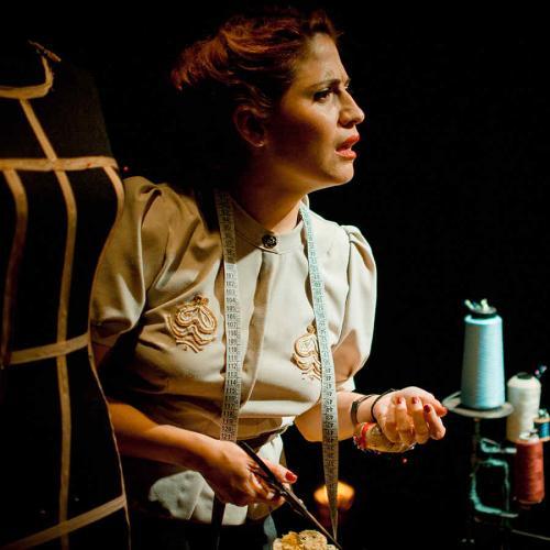Costura y buen teatro: Nada del amor me produce envidia
