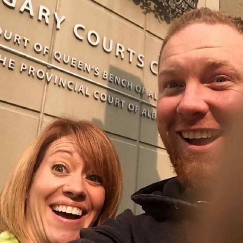 Las nuevas selfies: con bolsa de plástico y recién divorciados
