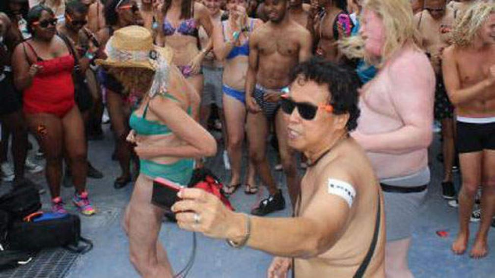 Las desnudas de Times Square: Te guste o no, está en