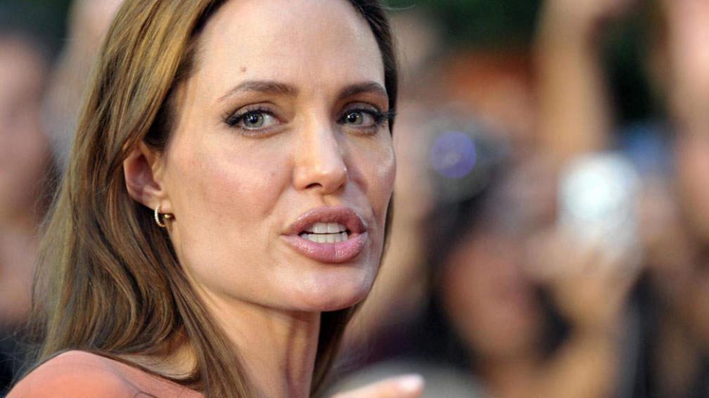 ¿Internada? Jolie no estaría pasando por un buen momento.