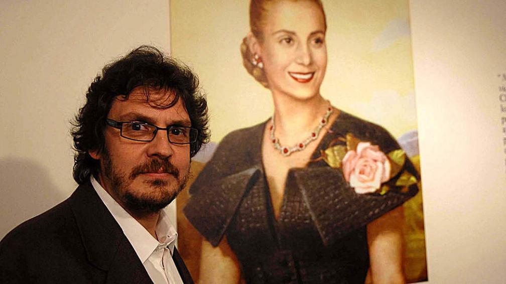 Felipe Pigna destaca que Eva Perón fue la primera mujer con consenso y poder en el mundo.