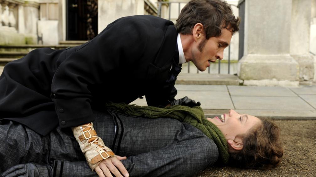 Hugh Dancy y Maggie Gyllenhaal son los actores protagonistas de 'Histeria'.