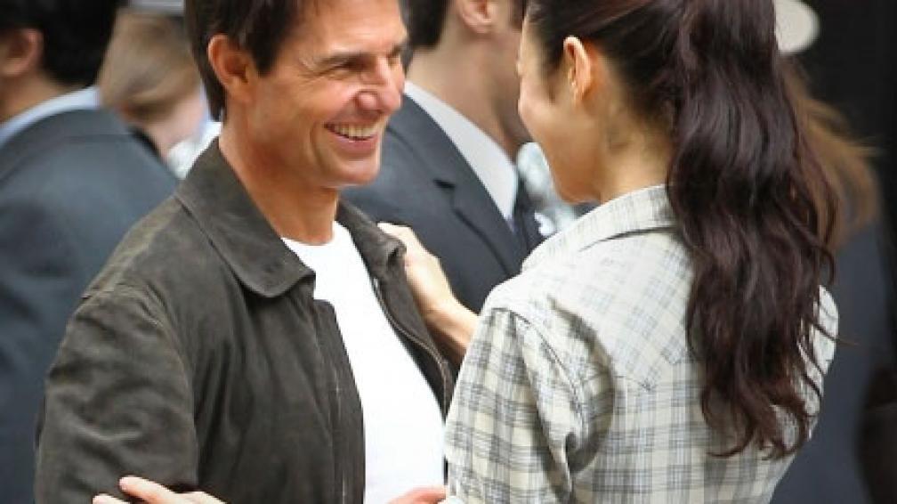 """Olga Kurylenko y Tom Cruise en medio de la grabación de """"Oblivion"""""""