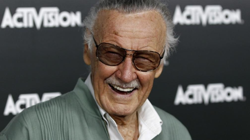 Stan Lee, con casi 90 años, sigue activo.