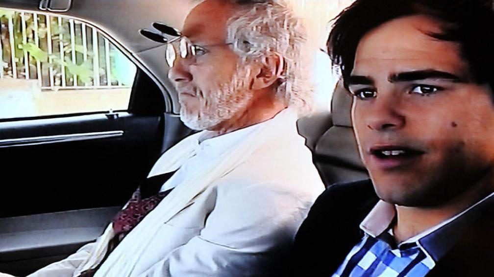En 'Aliados', Peter Lanzani es Noah y su padre es Boy Olmi (foto, captura de pantalla).