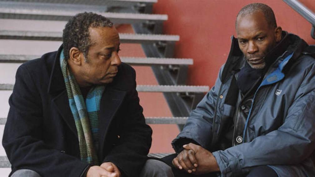 """El Cineclub Hugo del Carril ofrece en pantalla grande """"35 rhums"""", la película de Claire Denis que explora en la cotidianidad de inmigrantes africanos que trabajan en los trenes de París."""
