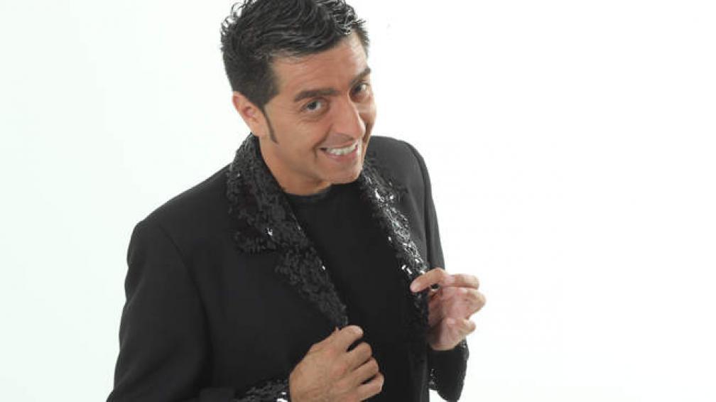 Adrián Gómez comienza un nuevo programa por Teleocho.