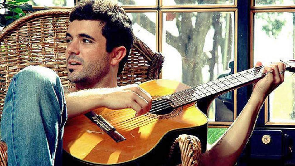 Las canciones de David Bolzoni han musicalizado varias novelas.