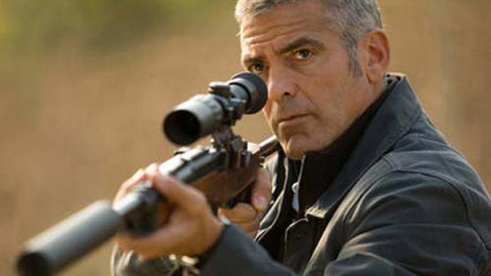 George Clooney interpreta a un veterano asesino.