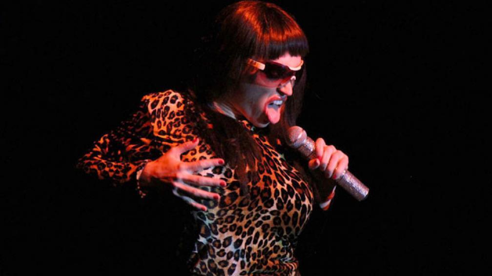 Fátima Florez desplegó su talento en la música y la imitación. Fotos: La Voz del Interior.