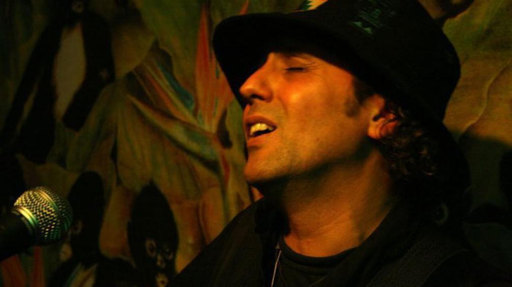 Después de formar MMC, Manguz decidió cerrar su búsqueda de rock. Ahora vive un desplazamiento hacia lo folklórico.