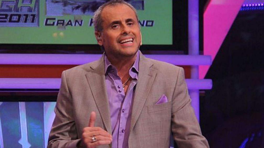 """Jorge Rial se metió a """"la casa de al lado"""" para charlar con Clarisa y Mario."""