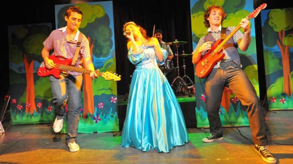 """""""La Bella Durmiente Rock"""", una comedia musical para chicos de todas las edades."""