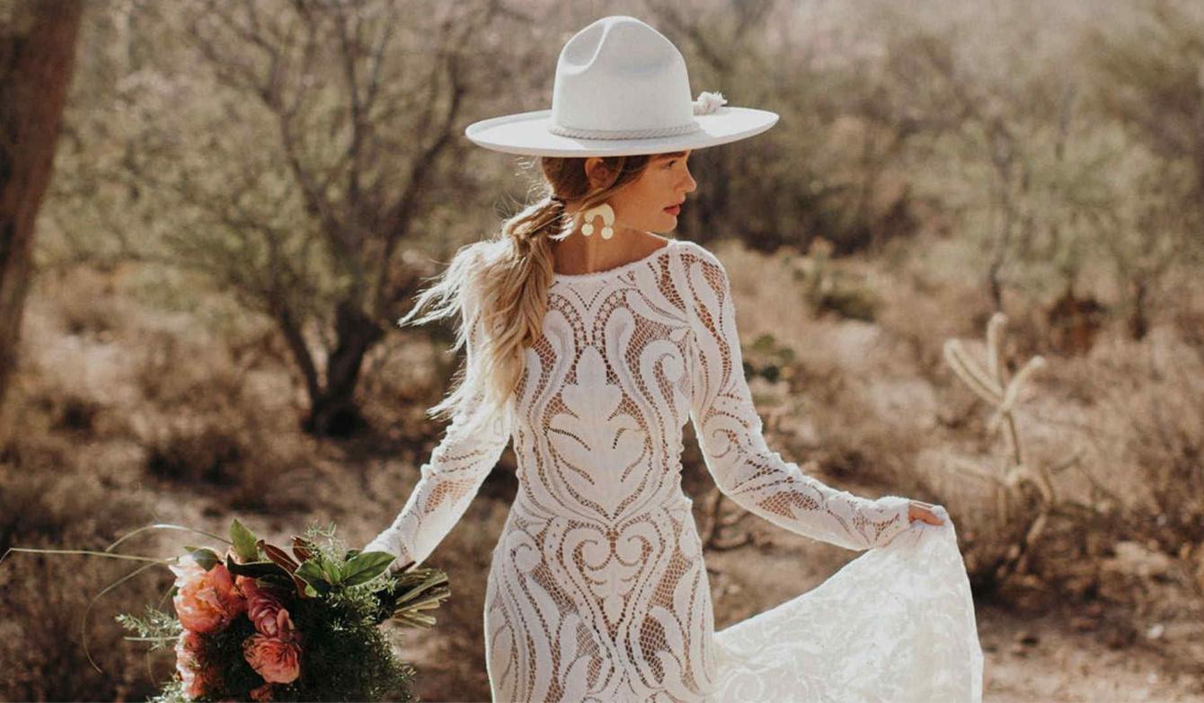 Lo último en bodas: velos reemplazados por sombreros ¡y vestidos de mangas largas!