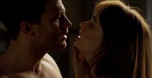"Misterio, romance y sexo en el segundo tráiler de ""50 sombras más oscuras"""