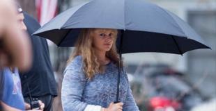 ¿Adivinás quién es? Famosa actriz luce irreconocible en el set de su nueva película