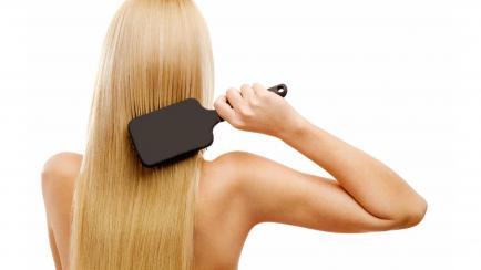 ¿Cepillás correctamente tu pelo? Te contamos 5 claves y repasamos sus beneficios