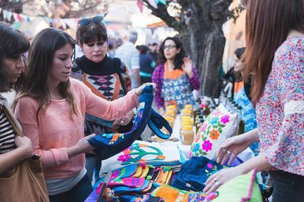 Paseá y comprá regalos: muchas ferias y mercados de diseño para disfrutar este