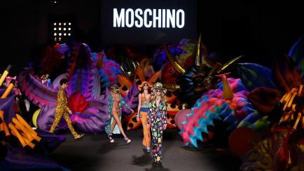 Crucero 2017: la fiesta de celebridades de Moschino