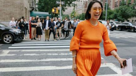 Un solo color, un solo look: vestite con la tendencia monocromática
