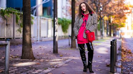 Dúo dinámico: usá el blazer con buzo como las estrellas de street style