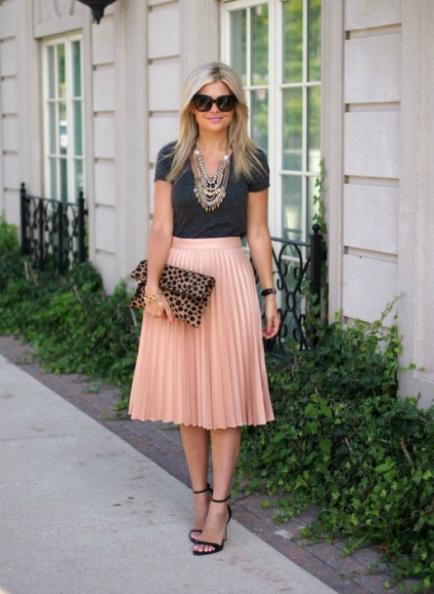 Faldas plisadas de todos los largos: mirá cómo combinarlas