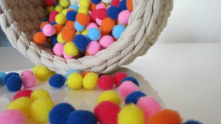 Ideas para decorar con pompones y flecos
