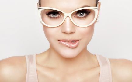Guía práctica para elegir los anteojos ideales para tu tipo de rostro