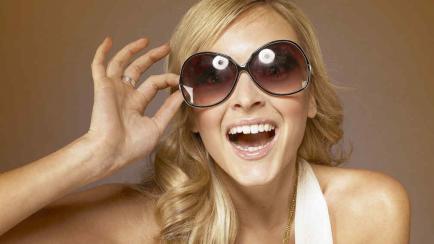 Anteojos de sol: cómo elegirlos acorde a la forma de tu rostro y sin descuidar tu salud visual