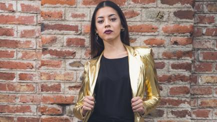 Básicos con onda: una cordobesa diseña las prendas más usadas por las mujeres