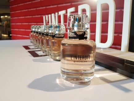 Givenchy presentó su nueva fragancia en Patio Olmos: los secretos de su aroma