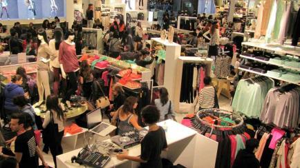 ¿Viajas a Chile o Brasil? Mirá dónde comprar ropa linda y barata
