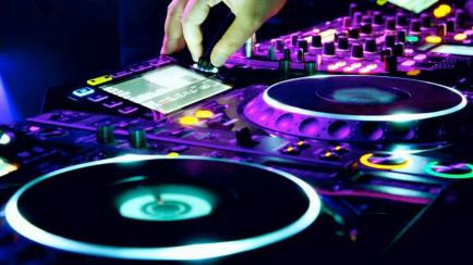 ¿Querés convertirte en DJ? Mirá este curso