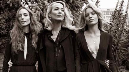 Las hijas de Mick Jagger junto a su madre y toda su sensualidad para Vogue Italia (fotos)