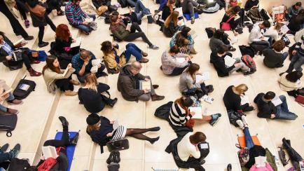 Llega la primera Silent Reading Party a Córdoba, ¡andá!