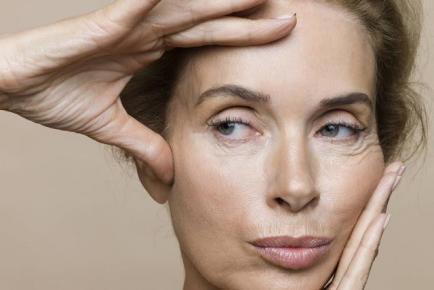 Arrugas producidas mientras dormimos: ¿mito o realidad?
