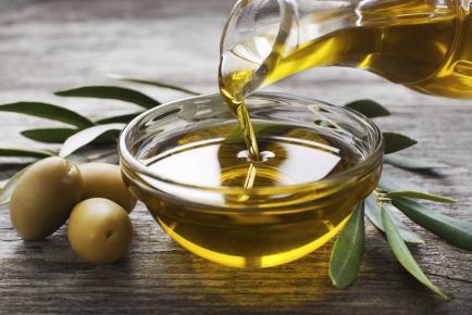 Desmaquillantes naturales: 5 ingredientes con beneficios para la piel