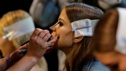 Los usan en desfiles: 4 productos de maquillaje accesibles que te transforman