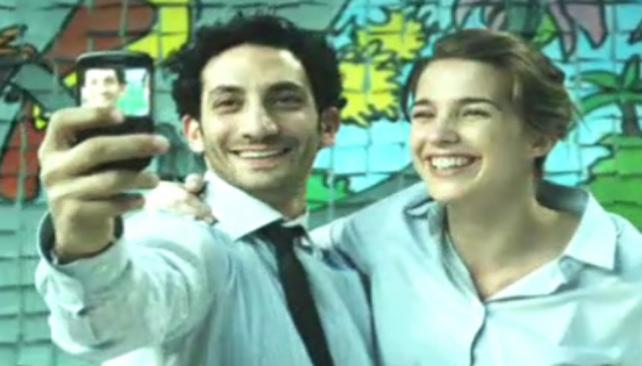 Juan Minujín y Soledad Fandiño protagonizan en el nuevo clip de Calle 13.