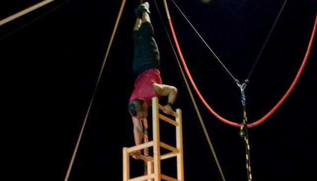 'Piso compartido', obra de Los Transhumantes que se presenta hoy en el festival Circo en Escena.