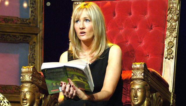 J.K. Rowling trabaja en otro nuevo libro de Harry Potter.