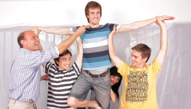 'Cada quien', con un elenco joven que canta, baila y se divierte..