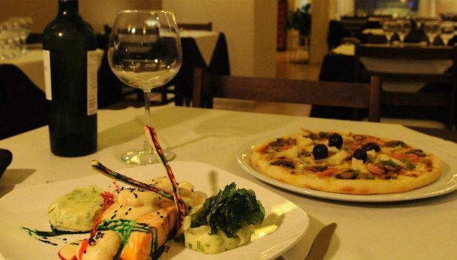 Fuori dal Branco tiene cena show viernes y sábado.