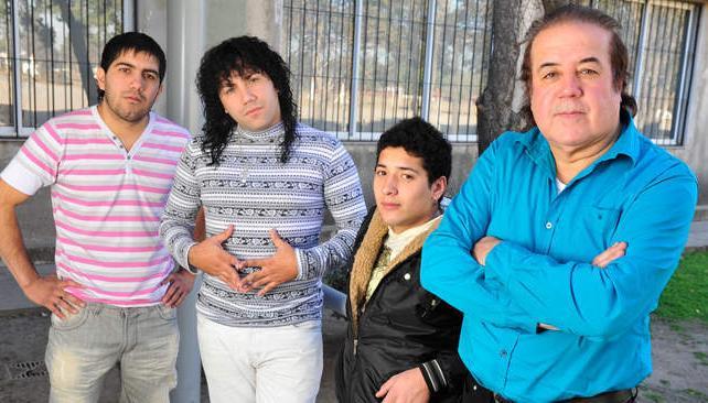 Varias generaciones de músicos conviven en la actual formación de Los Chicos Orly.