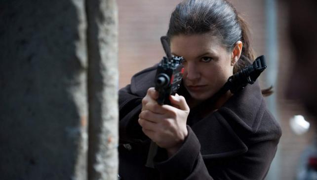 Gina Carano es Mallory Kane, heroína inclemente y despierta de 'La traición'.