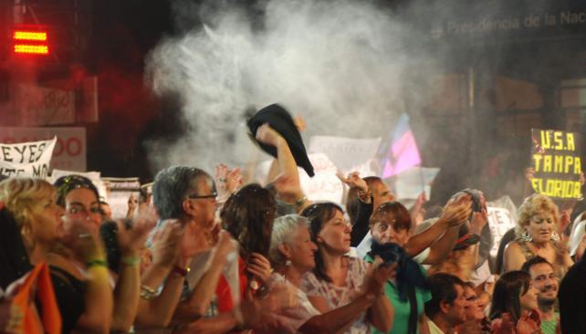 El público bailó con Galleguillo y esperó al Chaqueño. Foto: La Voz,