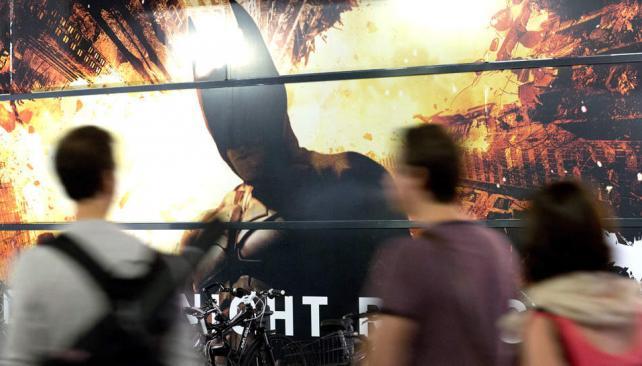 El último filme de la saga del hombre murciélago se estrenó en todo el mundo. En algunos países se extremaron las medidas de seguridad en las salas de cine.