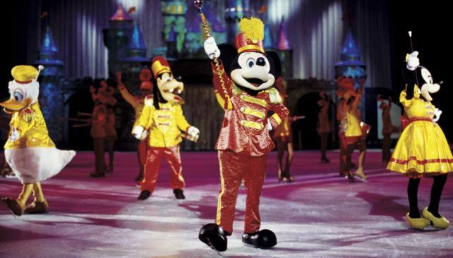 'Disney on ice' regresa con el clásico espectáculo de los personajes animados sobre hielo.
