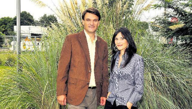 Hernán Ronco y Florencia Pérez Gaudio, dos de los convocados para la nueva señal universitaria.