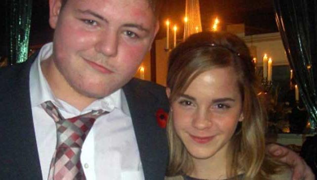 JAMIE WAYLETT, junto a su compañera, Emma Watson (Hermíone).